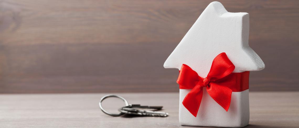 Vad gäller när man ger bort en fastighet som gåva?